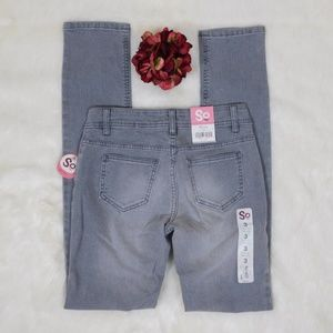 Ultra Low Skinny Jean's Gray Stretch Denim Juniors